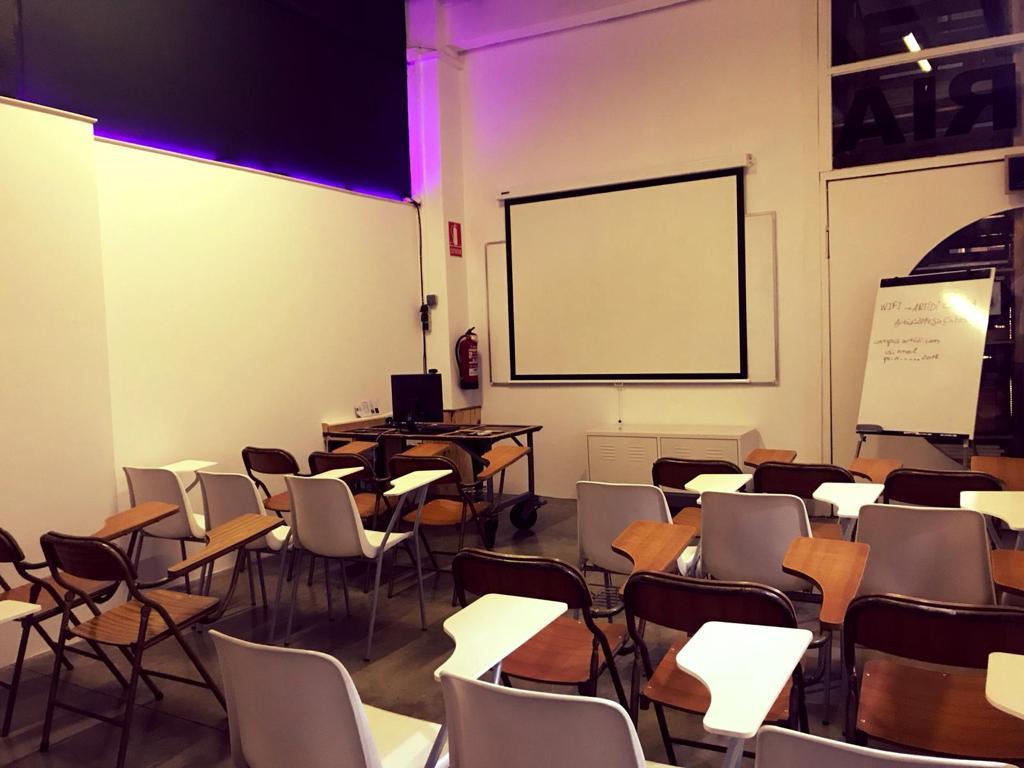 Aula teórica 1 para 35 asistentes